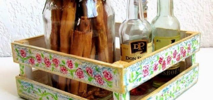 Декорирование деревянного ящика красками