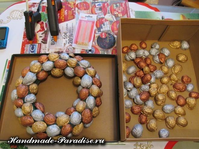 Грецкие орехи в новогоднем декоре (11)