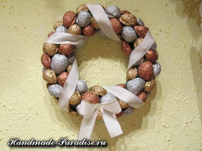 Грецкие орехи в новогоднем декоре (12)