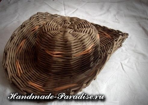 Шляпа из газетных трубочек (5)