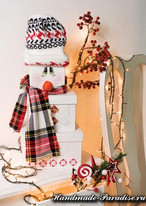 Новогодний снеговик из коробок (25)