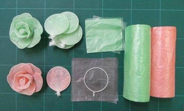 Цветы из пакетов для мусора своими руками