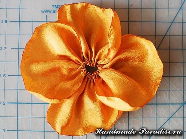 Цветы из синтетической ткани (9)