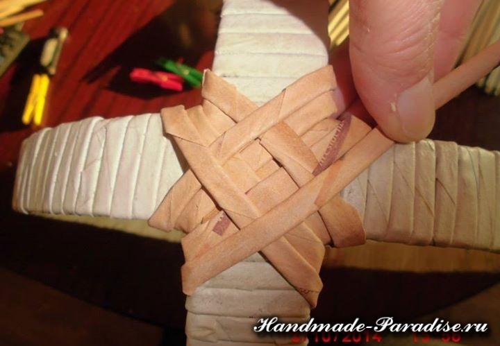 плетение из газет лукошка (2)