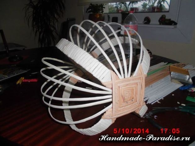 плетение из газет лукошка (4)