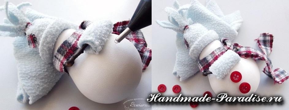 Снеговик из лампочек. Мастер-класс (3)