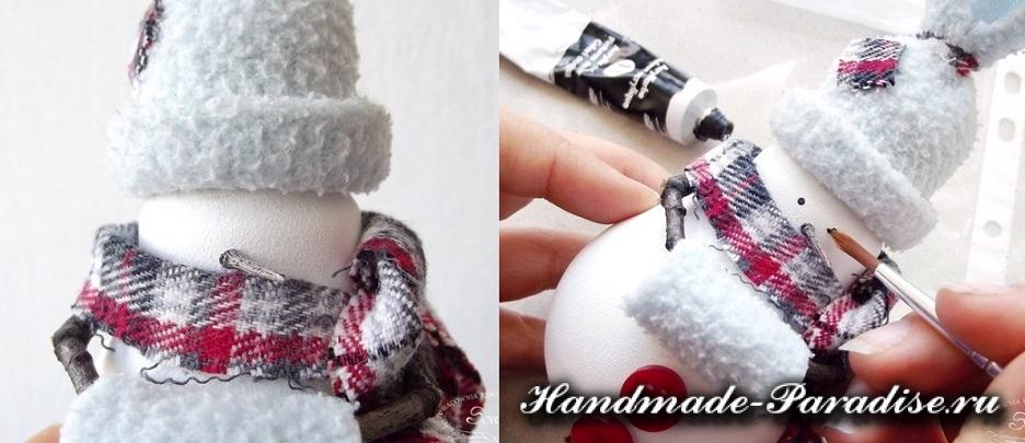 Снеговик из лампочек. Мастер-класс (5)