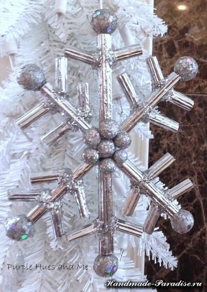 Снежинки из гофрокартона и фольги (8)