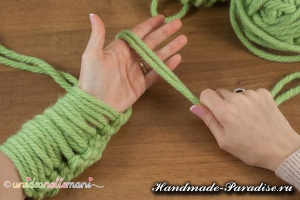 Vyazanie rukami obemnogo sharfa 3 620x413 Вязание руками объемного шарфа