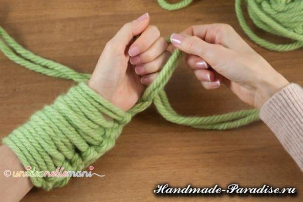 вязание руками объемного шарфа (9)