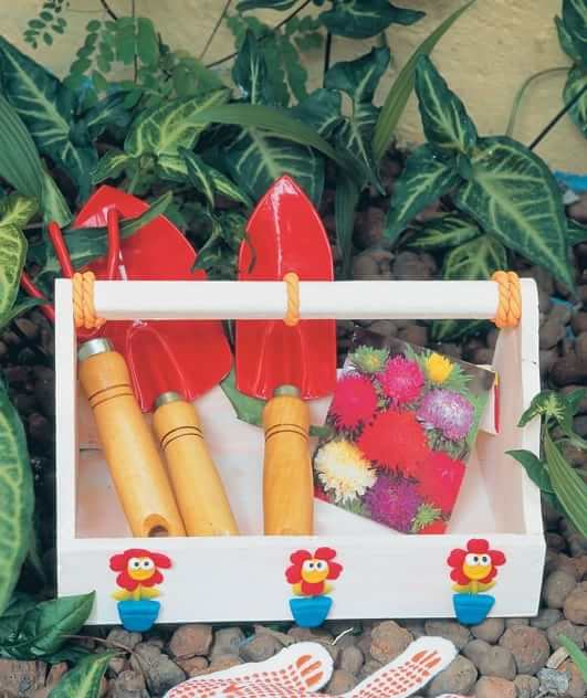 Декорирование садового ящика лепкой (2)