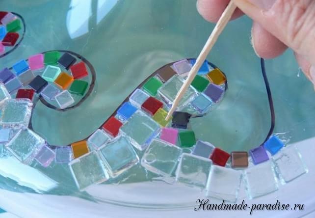 Декорирование вазы стеклянной мозаикой (5)