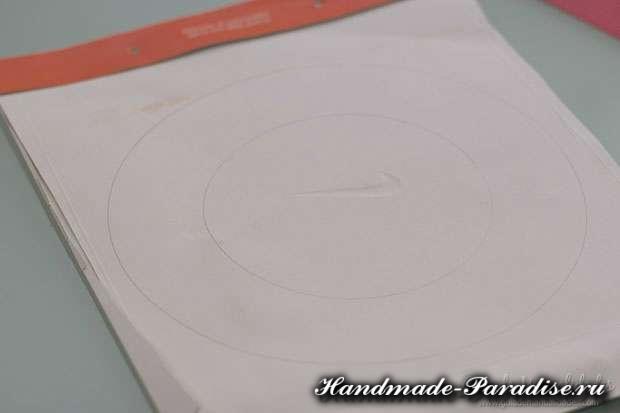 Сердечный венок из бумаги ко дню Святого Валентина (3)