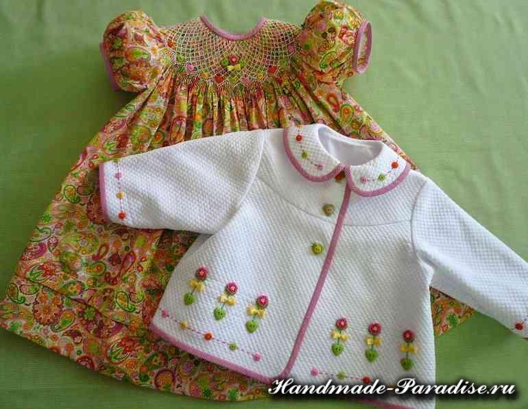 Вышивка розочек рококо для детской одежды