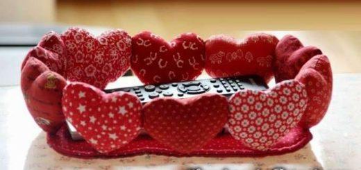 Корзинка с сердечками ко дню Святого Валентина