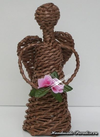 Плетение ангела из газетных трубочек (15)