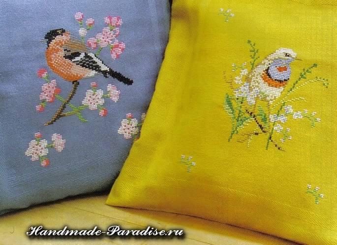 Райские птицы на подушке. Вышивка (2)
