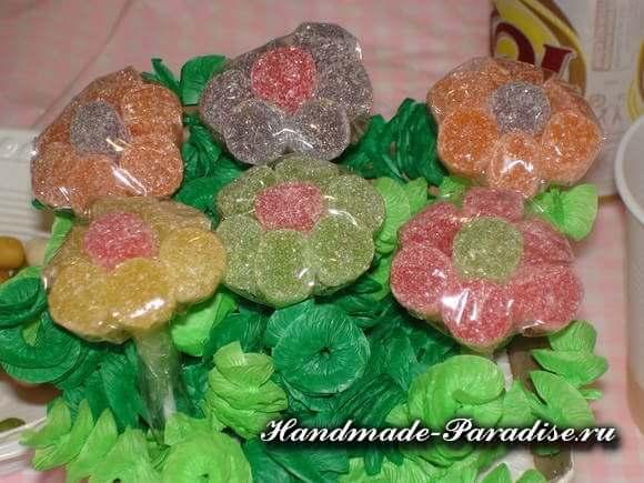 Сладкие букеты из мармеладок (13)