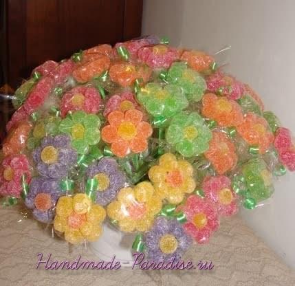 Сладкие букеты из мармеладок (17)