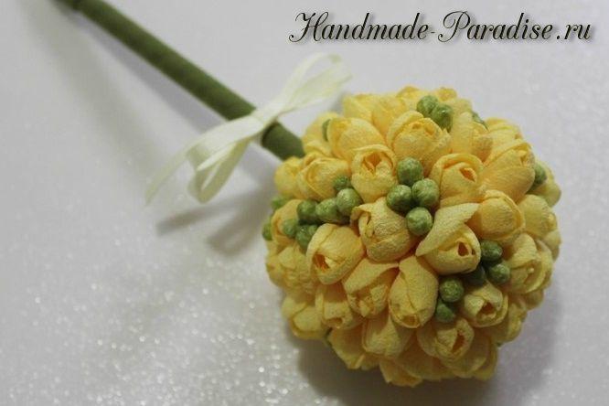 Красивые цветы фрезии из ткани