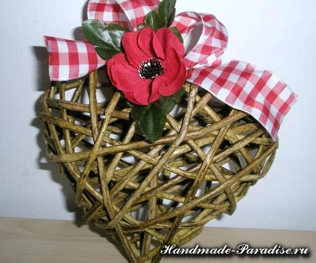 Валентинки из газетных трубочек. Мастер-класс (7)