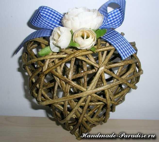 Валентинки из газетных трубочек (8)
