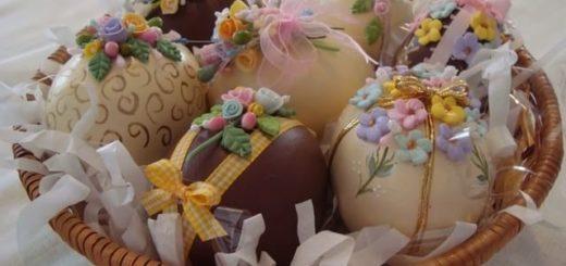 Декор пасхальных яиц сладкими розочками