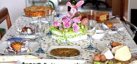 К Пасхе - розы из яичных лотков