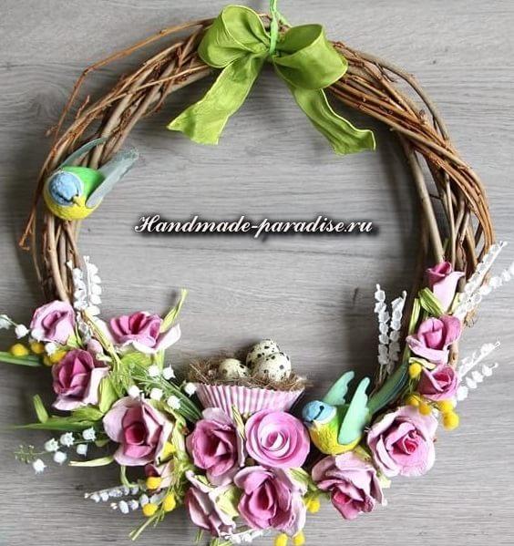 К Пасхе - розы из яичных лотков (3)