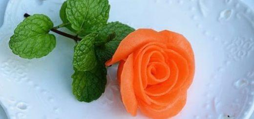 Роза из морковки для праздничной сервировки стола