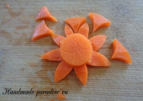 Цветы из морковки для праздничной сервировки стола (13)