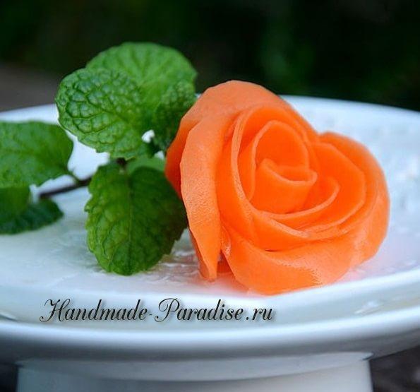 Роза из морковки для праздничной сервировки стола (21)