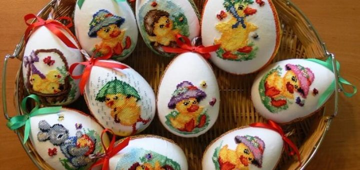 Веселые пасхальные яйца с вышивкой