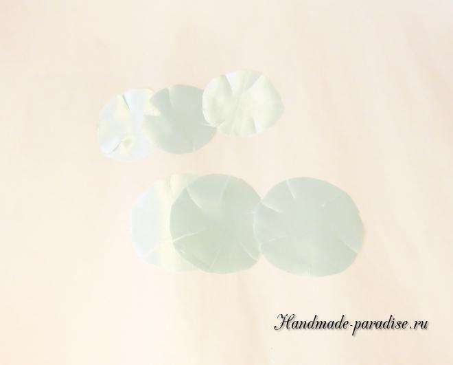 Браслеты из атласных цветов для подружек невесты (6)