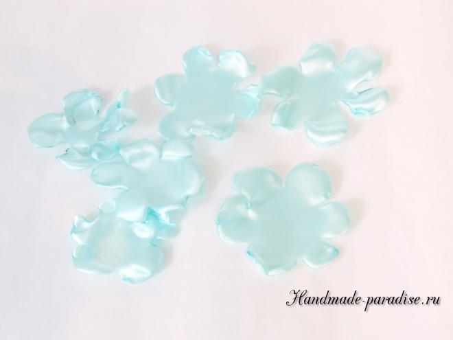 Браслеты из атласных цветов для подружек невесты (8)