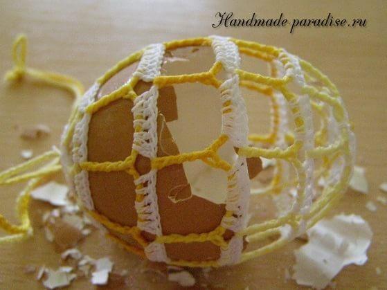Как крахмалить вязаные пасхальные яйца (4)