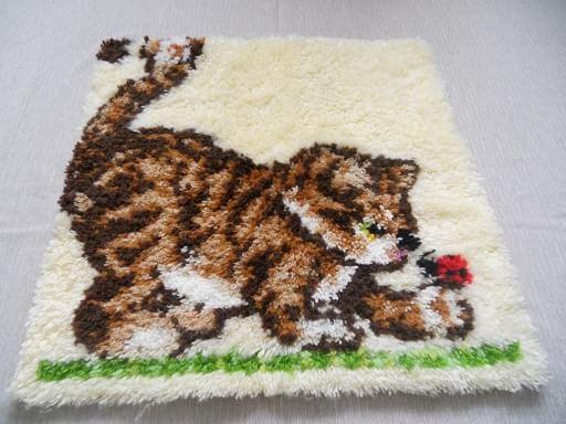 Необычный вид рукоделия – ковровая вышивка