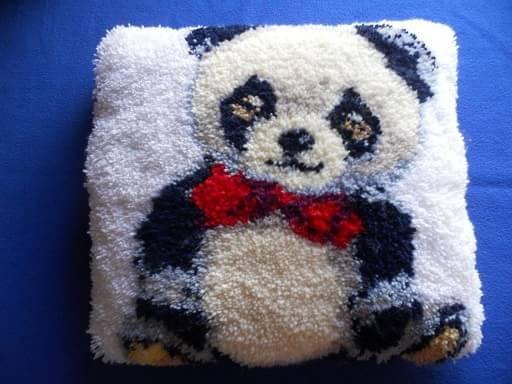Необычный вид рукоделия – ковровая вышивка (2)