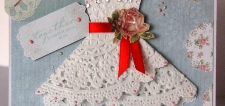 Открытка с платьем из салфетки