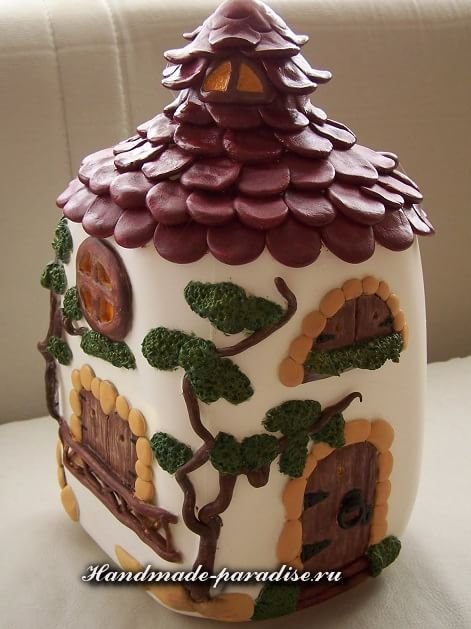 Сказочный домик из пластиковой бутылки (11)