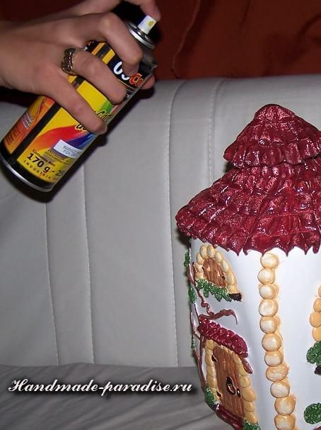 Домик из пластиковой бутылки (9)