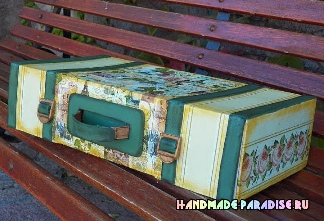 Чемодан из коробки с декором в технике декупаж (5)