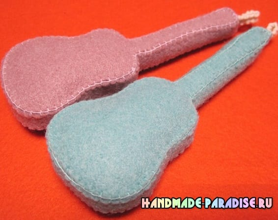 Как сшить гитару - сувенир из фетра (13)