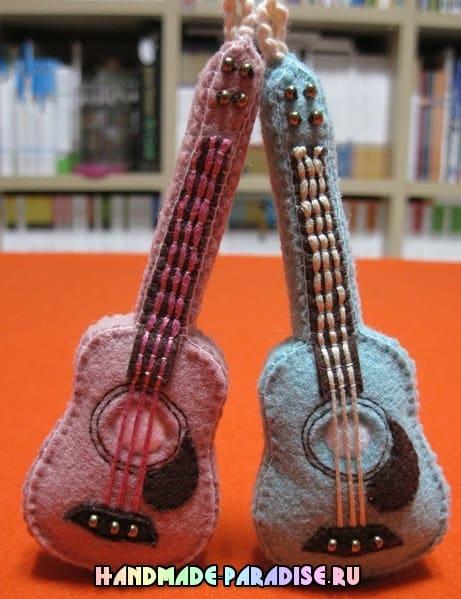 Гитара - сувенир из фетра (14)