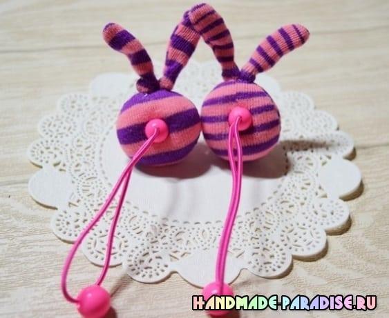 Кролики - детские резиночки из носков (8)