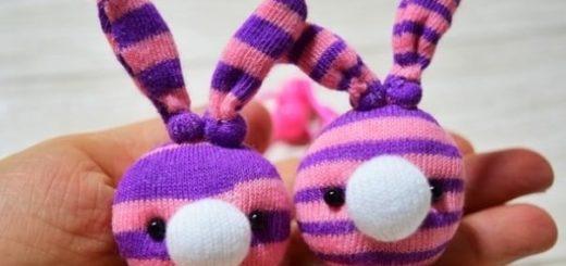 Кролики - детские резиночки из носков
