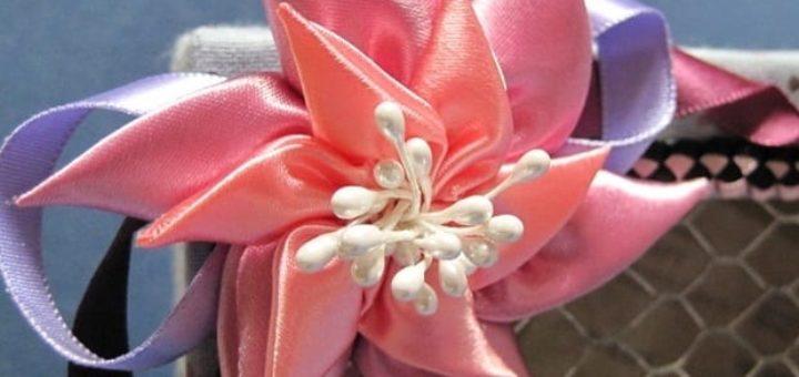 Цветок вертушка из атласных лент