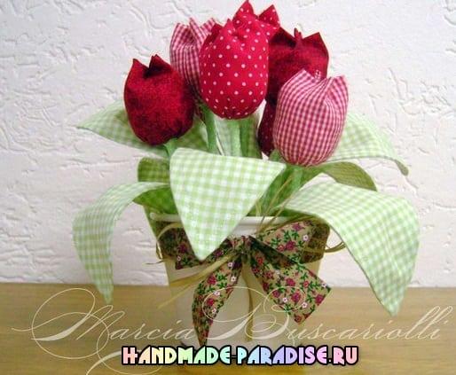 Тюльпаны из ткани и ваза из коробки (4)