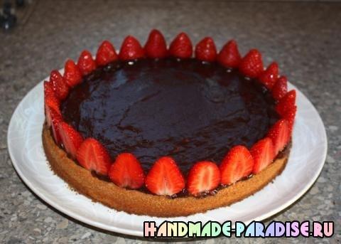 Шоколадный клубничный торт (5)