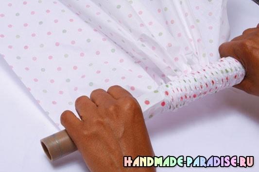 Оформление подарочной корзины папиросной бумагой (2)